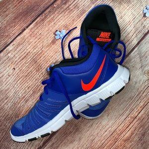 Nike Flex Show Training Shoes Size 6Y Like New